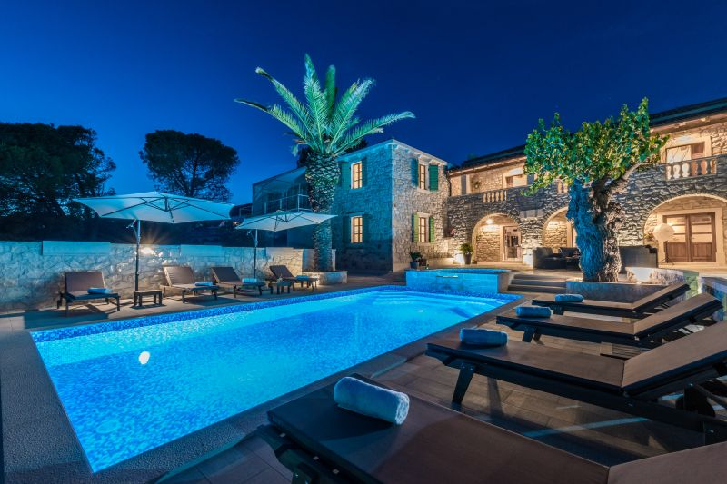Ville di lusso con piscina case vacanza di lusso - B b con piscina ...